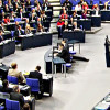 Lockerung der Optionspflicht und Verschärfung des Asylrechts passieren Bundestag