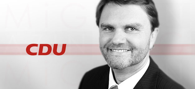 Niedersachsens Innenminister <b>Uwe Schünemann</b> (CDU) © MiGAZIN - uwe_schuenemann_cdu_655x300