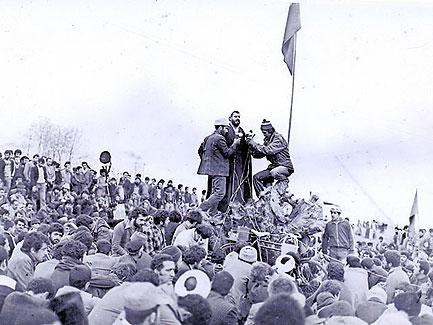 Hassan Yousefi Eshkevari während der Revolution 1979 © yousefieshkevari.com