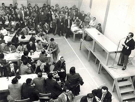 Erste große Protestversammlung gegen Rotation in Nürnberg Turnhalle Sportclub Maxvorstadt, 14.1.1973