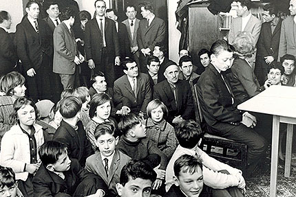 25. Februar 1963, Bayram im Keller der Forchheimer Zentralschule - dritter von links Malik, schräg dahinter Murat Sultan-Sade