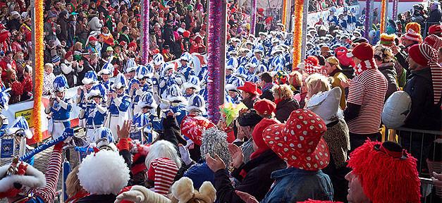 Karneval, Rosenmontag, Fasching, Köln, Kamelle, Jecke, Rosenmontagszug