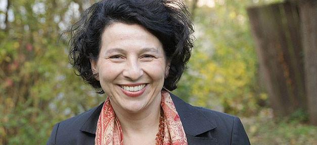 Viola B. Georgi ist Professorin für Diversity Education, sie forscht und lehrt an der Universität Hildesheim zum Umgang mit Vielfalt im Bildungssystem. © Isa Lange/Uni Hildesheim