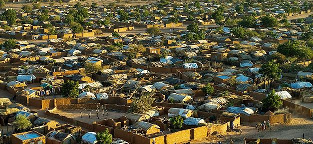 Ein Flüchtlingscamp in Chad für Flüchtlinge aus dem Sudan (Symbolfoto) © European Commission DG ECHO @ flickr.com (CC 2.0), bearb. MiG