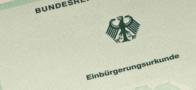 Einbürgerung, Einbürgerungsurkunde, Pass, Deutscher Pass, Deutschland