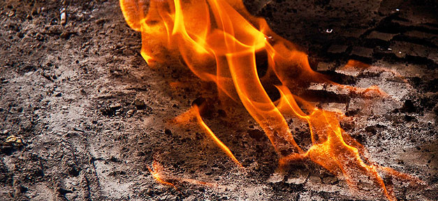 Feuer, Brand, Flamme, Brandanschlag, Erde, Boden