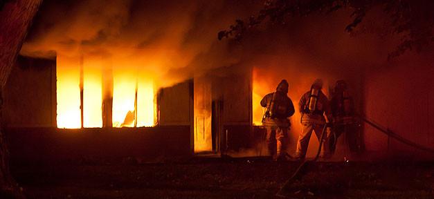 Feuer, Brand, Brandanschlag, feuerwehr, einsatz