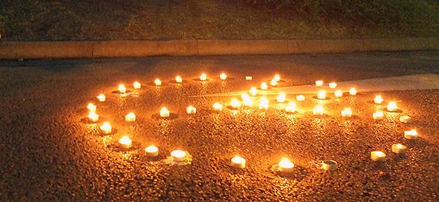 Peace teelichter heidenau sachsen fluechtlinge 627x288