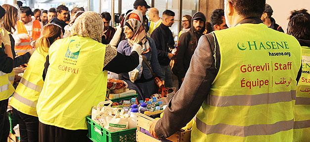Muslime, München, Bahnhof, Flüchtlinge, Hilfe