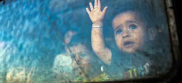 syrisches Kind, Kind, Syrien, Flüchtling, Angst, Fenster