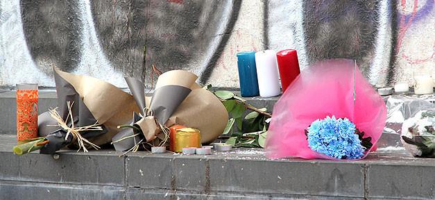 Terror, Terroranschlag, Paris, Trauer, Blumen, Frankreich
