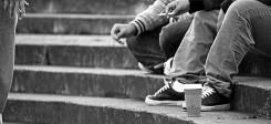 Jugendliche, Gang, Rauchen, Treppe, rumhängen, Perspektivlosgikeit