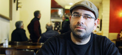 Syrer, Flüchtling, Bashar, Mann, Cafe