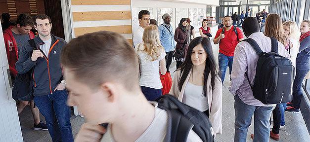 Universität Hildesheim, Studenten, Studierende, Uni, Hochschule