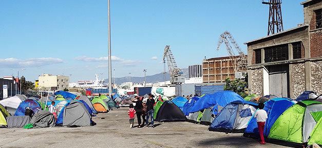 Flüchtlinge, Piräus, Griechenland, Hafen, Flüchtlingscamp