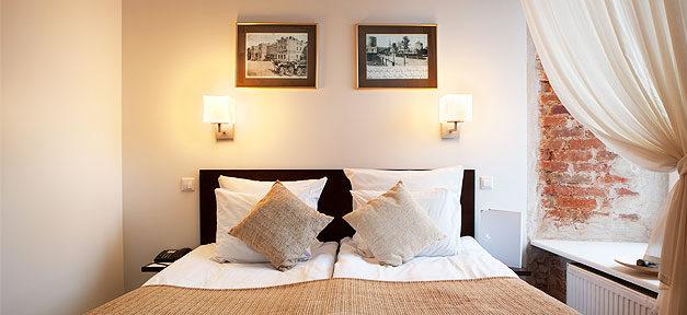 Hotel, Zimmer, Hotelzimmer, Bett, Kissen, Schlafen