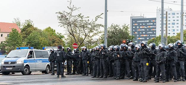 Polizei, Polizeieinsatz, Demonstration, Demo, Hundertschaft