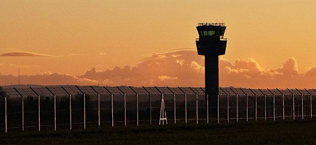Flughafen, Kontrolle, Tower, Turm, Abflug, Landung