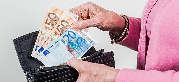 Geld, Alter, Armut, Rente, Portemonnai, Euro, Hand
