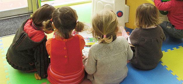 Kinder, Kindergarten, Mädchen, Kita, Gruppe