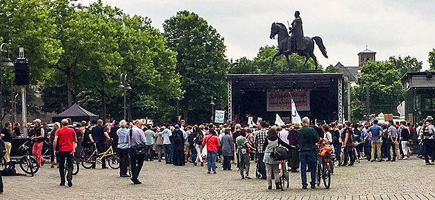 #NichtMitUns, Gewalt, Terror, Köln, Demo, Demonstration, Muslime, Islam