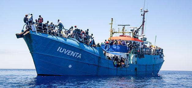 Mittelmeer, Schiff, Iuventa, Flüchtlinge, Seenotrettung