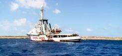 Seenotretter, Schiff, Rettungsschiff, Open Arms, Flüchtlinge