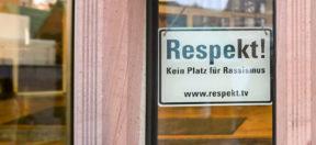 Rassismus, Rathaus, Frankfurt, AfD, Respekt, Schild