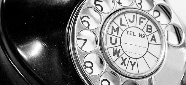 Telefon © macinate auf flickr.com (CC 2.0), bearb. MiG