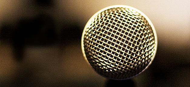 Reden © ethanhickerson auf flickr.com (CC 2.0), bearb. MiG