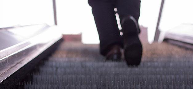 Rolltreppe, Arbeit, Aufstieg, Karriere, Treppe, Männer, Anzug