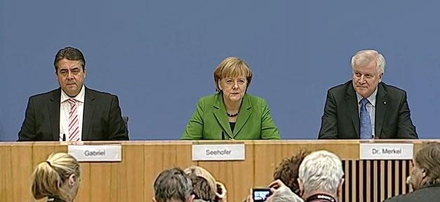 Sigmar Gabriel (SPD), Angela Merkel (CDU) und Horst Seehofer (CSU) (v.l.n.r.) stellen den Koalitionsvertrag vor © MiG