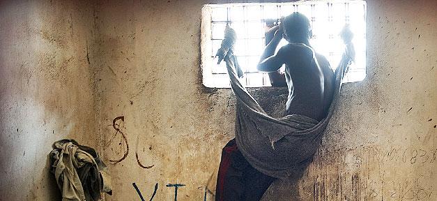 Abschiebehaft in der EU: Asylrechtliche Grauzonen für nicht rückführbare Geflüchtete © United Nations Photo @ flickr.com (CC 2.0), bearb. MiG
