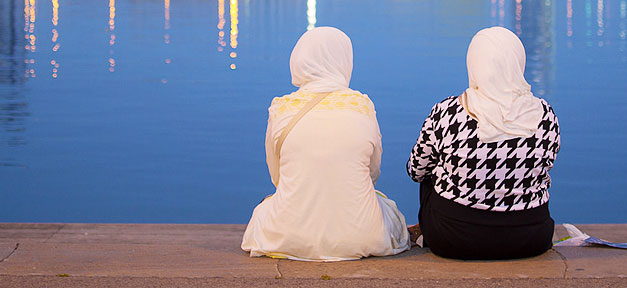 Muslime in Deutschland © George Lindley @ flickr.com (CC 2.0), bearb. MiG