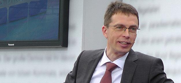 """Prof. Dr. Paul Nolte hier auf dem """"Blauen Sofa"""" der LBM 2012 © Blaues Sofa @ flickr.com (CC 2.0), bearb. MiG"""