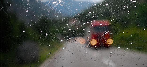 Auto, Autofahrt, Regen, Scheibe, Straße, Lkw, Pkw