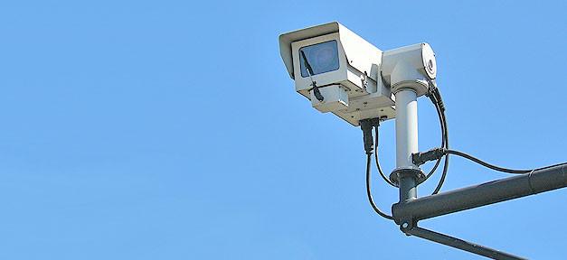 Videoüberwachung © Mike_fleming @ flickr.com (CC 2.0), bearb. MiG