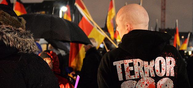 DÜGIDA, Demonstration, Terror, Terrorismus, Rechtsextremismus, Neonazis