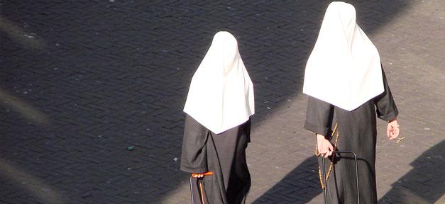 Nonne, Nonnen, habbit, katholisch, kirche