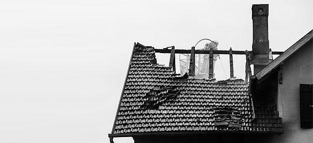 Rechtsextremismus, Flüchtlinge, Flüchtlingsheim, Nazis, Brand, Brandstiftung, Brandanschlag