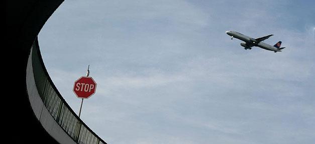 Stopp, Flugzeug, Flughafen, Lufthansa
