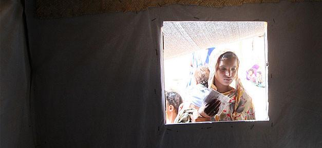 Flüchtling, Frau, Kind, Zelt, Fenster