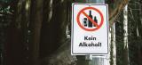 Muslimische Männer würden keinen Alkohol trinken und Frauen angreifen