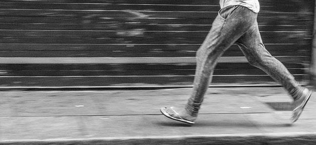 Frau, Laufen, Rennen, Angst, Gewalt