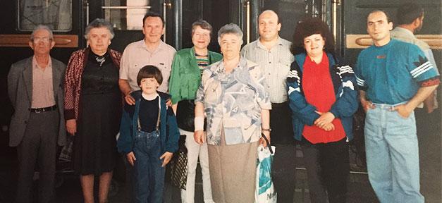 Ankunft in Deutschland, Bahnhof, Famile, Familienfoto