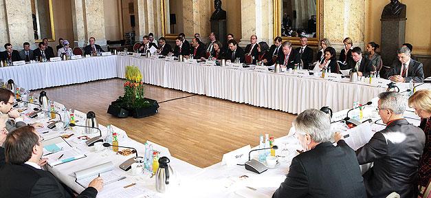 Deutsche Islamkonferenz, DIK, Islamkonferenz, Wolfgang Schäuble, Muslime, Islam