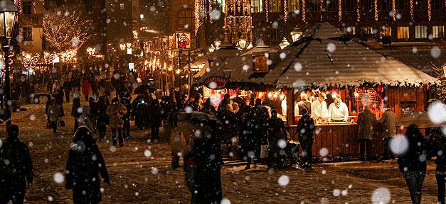Weihnachten, Weihnachtsmarkt, Menschen, Winter, Schnee