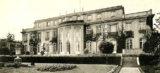 Mit der Wannsee-Konferenz wird der Massenmord an den Juden zum historisch beispiellosen Genozid