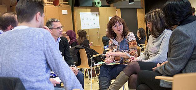 Willkommen bei Feunden, Gespräch, Diskussion, Flüchtlinge, Integration