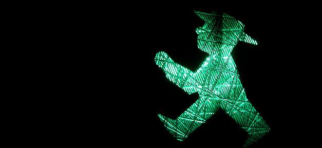Ampel, Grün, Ampelmännchen, Verkehr
